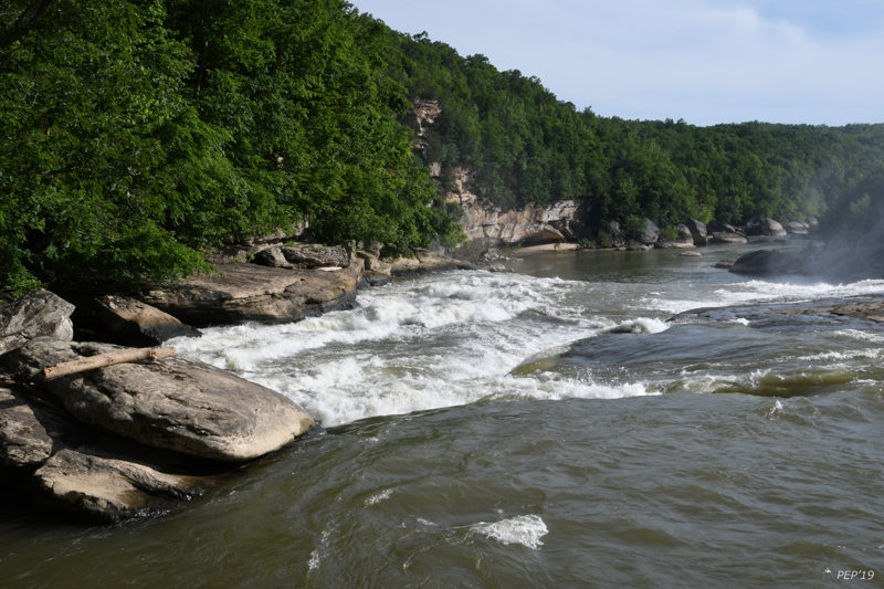 White water above the Cumberland Falls